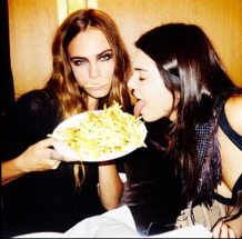 Cara Delevingne And Kendall Jenner Eat Chips In Insta Snap Megan Fisher Freelance Journalist